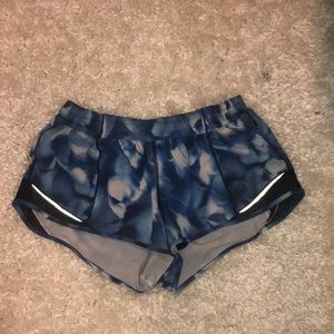lululemon hotty hot shorts 2.5""
